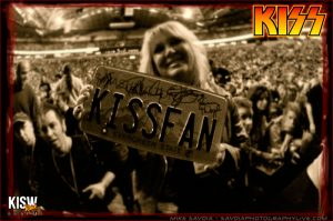 KISS fan at KeyArena (photo: Mike Savoia)