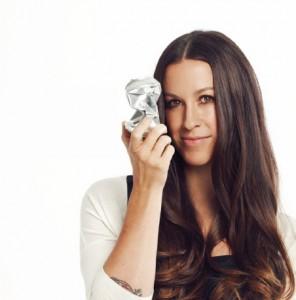 Alanis Morissette (photo: www.alanis.com)