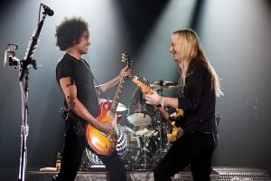 L-R: William DuVall and Jerry Cantrell of Alice in Chains (photo: Alex Crick)