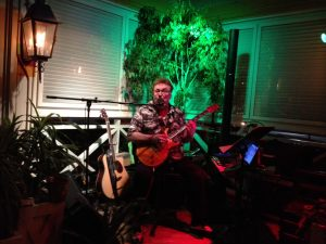 Singer-guitarist Big Al Miller (photo: Gene Stout)