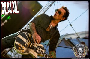Guitarist Billy Morrison (photo: Mike Savoia)