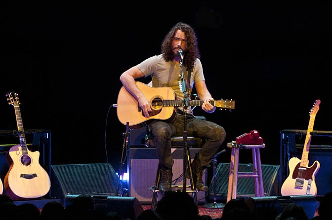 Concert Review Chris Cornell Rocks The Rafters At Moore