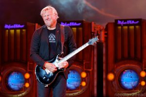 Alex Lifeson (photo: Kam Martin)