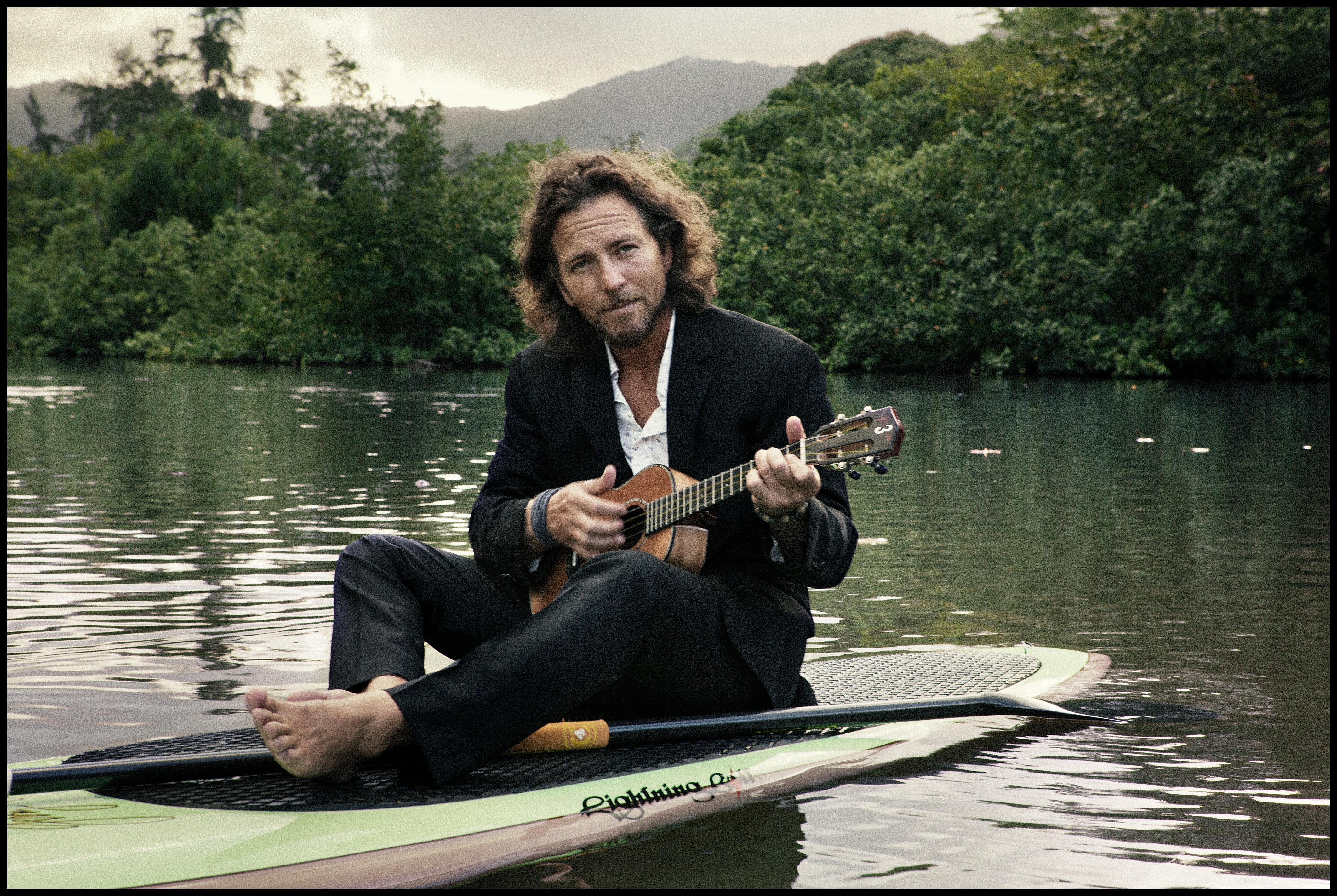 Pearl Jam's Eddie Vedder releases new album, launches solo ...