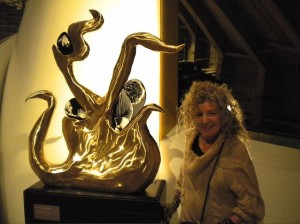 Ginny Ruffner with collaborative sculpture (photo: Marita Holdway)