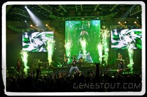 Guns N' Roses (photo: Mike Savoia)