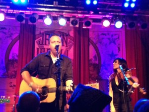 Jason Isbell and Amanda Shires (photo: Jo Ann Riggs)