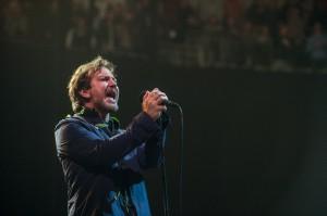 Singer-guitarist Eddie Vedder (photo: Jim Bennett)
