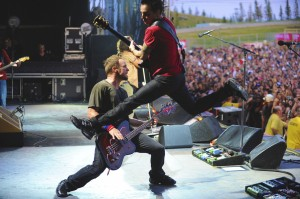 Pearl Jam live (photo: Karen Loria)