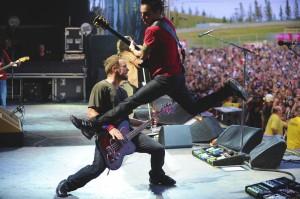 Pearl Jam live (photo: Karen Loria)