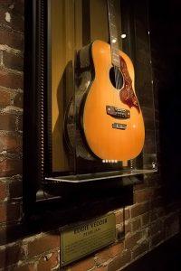 Eddie Vedder's guitar (photo: Alex Crick)