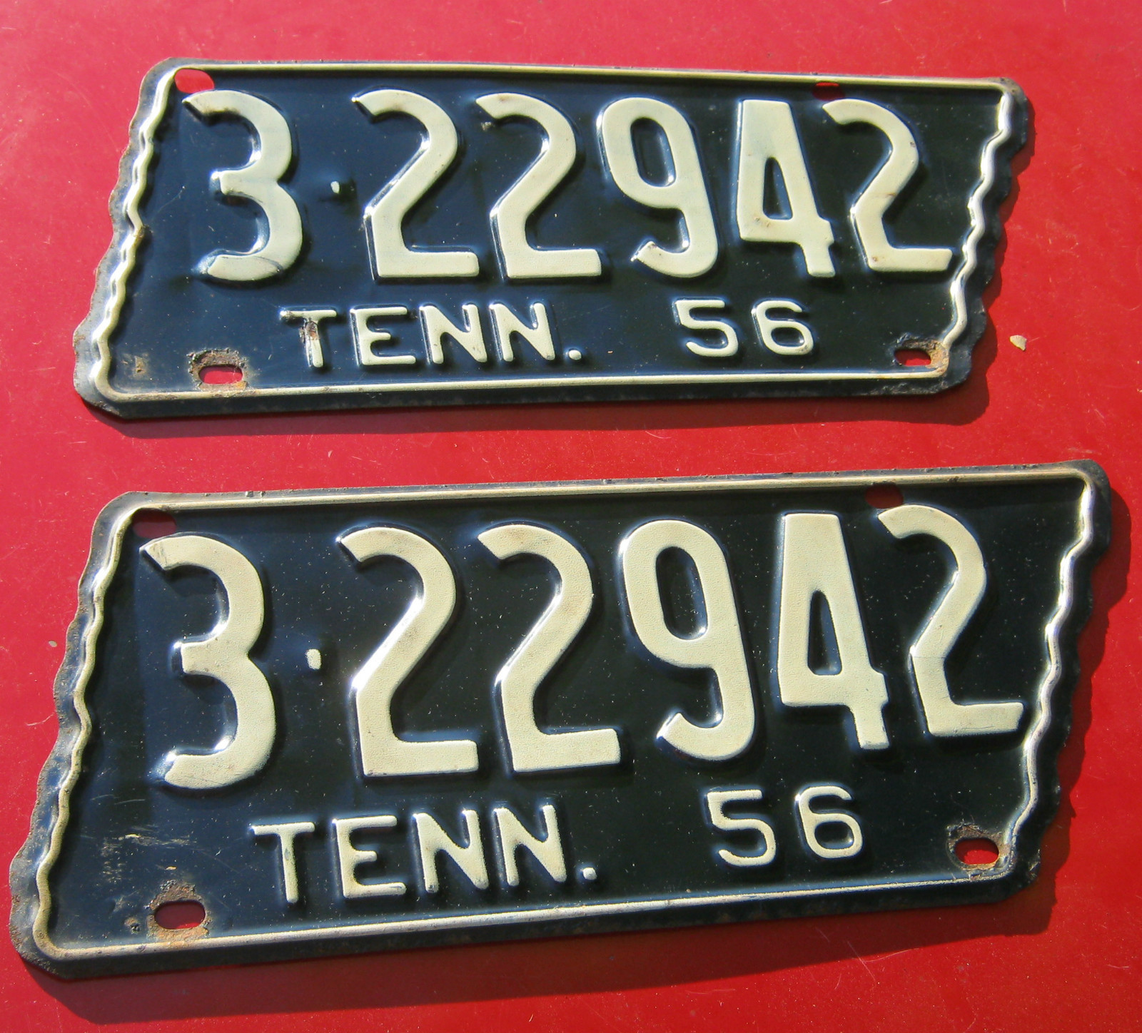 Tennessee State Shaped License Plate Frame